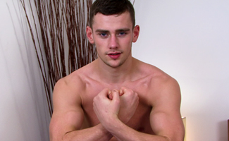 Hairy Straight Lad & Boxing Ace Tom King Knocks Out Five Cums Shots!
