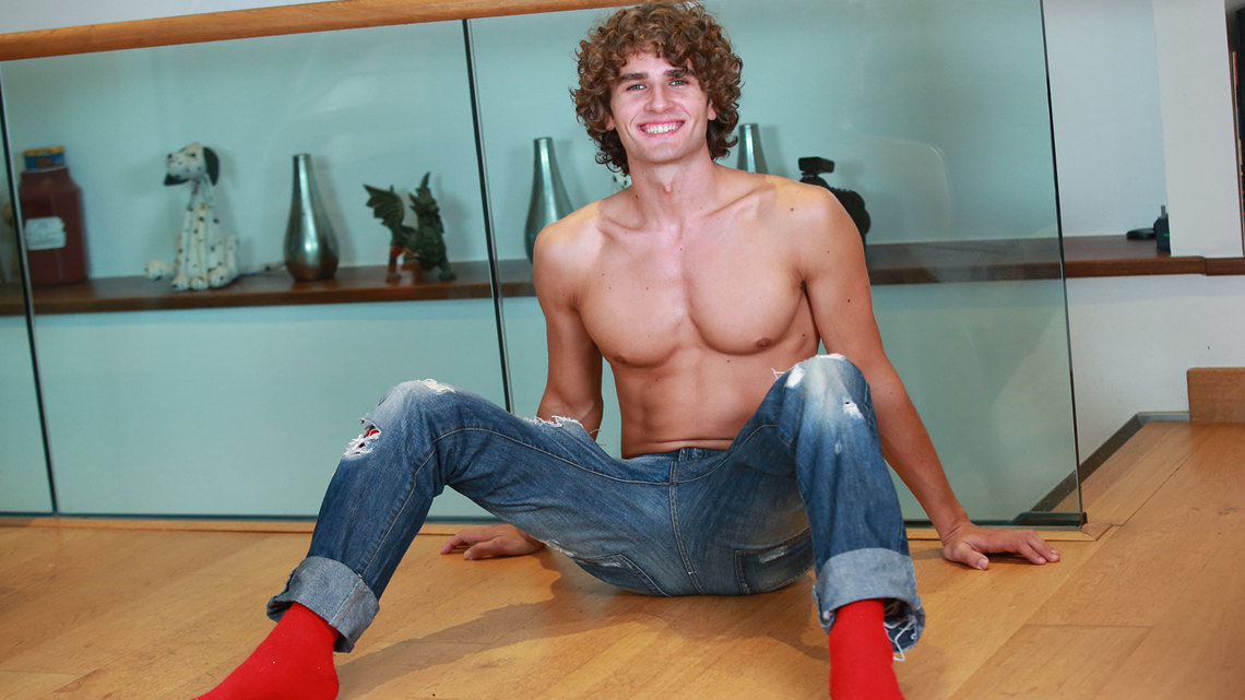 Young & Defined Straight Lad Igor Comes Back to Adult Modelling after a Five Year Break